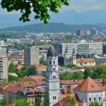 Pogled na grad s tvrđave na brdu
