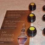 Izloženi su i kruti parfemi